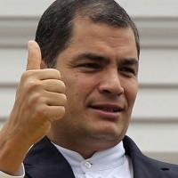 """Multitudinaria marcha en Quito en respaldo al presidente Rafael Correa y rechazo a intentos """"golpistas"""" de la oposición"""
