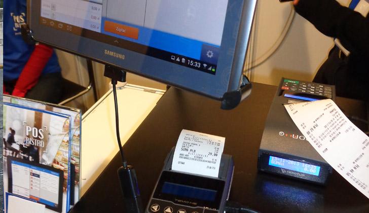 Para utilizar la modalidad del comprobante de facturación electrónica, los contribuyentes deben cumplir satisfactoriamente con una prueba dispuesta por la DGI. Foto: Wikimedia Commons.