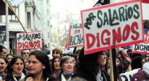 Docentes y estudiantes en multitudinaria marcha por 18 de julio