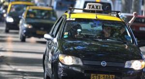 Hay paro general de transporte en todo el país por asesinato de un taxista