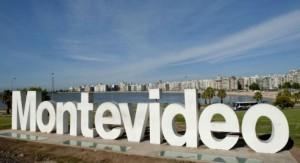 """Pintarán el cartel """"Montevideo"""" de la rambla con los colores de la diversidad"""