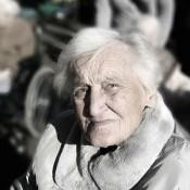 Nacionalistas piden información sobre cantidad, habilitación y fiscalización de hogares para ancianos