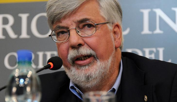 """Eduardo Bonomi, expresó que con el nuevo documento electrónico, """"Uruguay queda muy bien posicionado en el ámbito internacional""""."""