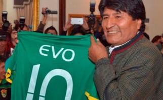 Evo Morales recibió a la selección en la previa del partido con Uruguay.