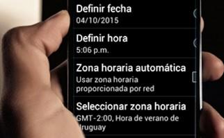 """En algunos dispositivos la hora se actualizó a """"Horario de Verano, -2 GTM"""", cuando el huso horario habitual de Uruguay es -3 GTM. Foto: Pixabay."""