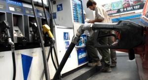 Autoridades de ANCAP y de los ministerios de Industria y Economía analizan posible rebaja en precios de combustibles