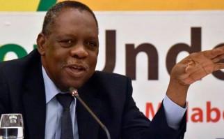 El camerunés Issa Hayatou será el presidente interino de la FIFA. Foto: AFP