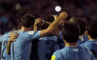 Puntaje perfecto para Uruguay que goleó a Colombia en el Centenario. Foto: EFE