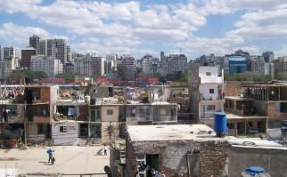 Una villa a las afueras de Buenos Aires. Foto: Wikimedia Commons.