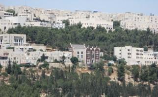 Ramat Shlomo, un asentamiento religioso judío en Cisjordania ocupado por Israel y anexado por el gobierno de Netanyahu a Jerusalén recientemente. Foto: Wikimedia Commons.