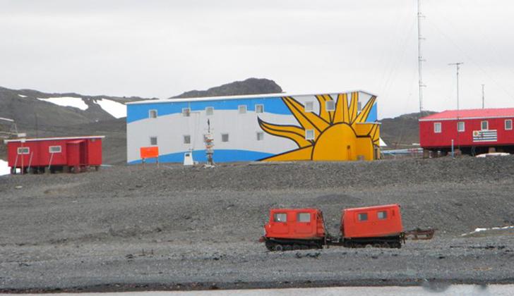ANCAP e Instituto Antártico Uruguayo renuevan compromiso de apoyo a investigación científica en la Base Antártica