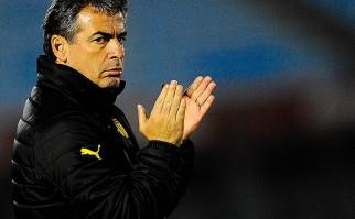 Bengoechea está preocupado por el rendimiento de Peñarol. Foto: @OficialCAP