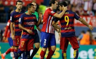 Suárez y Godín candidatos a integrar el equipo ideal de la FIFPro. Foto: AFP