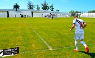 Marcelo Tabárez cumplió y volvió a jugar al fútbol. Foto: @DanubioFC