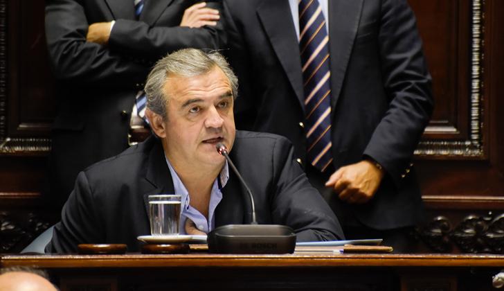 """Senador Larrañaga denuncia """"mentira ética del oficialismo que propugna un Uruguay de buenos y otro de malos"""""""