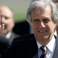Presidente Tabaré Vázquez retorna a Montevideo luego de lograr importantes acuerdos comerciales con Japón y Francia