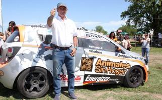 Gustavo Zerbino completa el Desafío Chevrolet para ayudar a la organización Animales Sin Hogar.