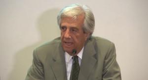 Tabaré Vázquez anunció que aumentará el impuesto al tabaco y dijo tener la seguridad de que Uruguay ganará el litigio a Philip Morris