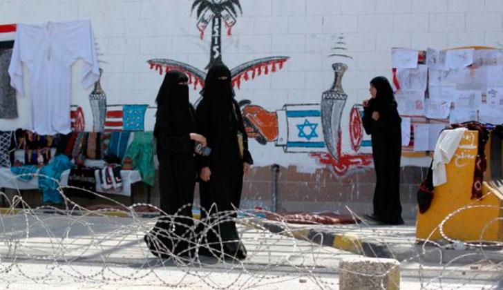 Mujeres votan por primera vez en Arabia Saudita. Foto: AFP