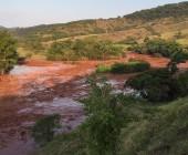 Brasil demanda por US$5.200 millones a empresa minera que causó peor desastre ambiental de su historia