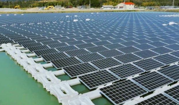 Japón prepara la granja solar flotante más grande del mundo, mientras Ruanda planea abastecer con otra a media África Oriental