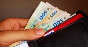 Cae el salario medio real en junio tanto en el sector público como privado