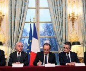 """Hollande logra que Diputados apruebe reforma de la Constitución e incluya """"estado de emergencia"""""""