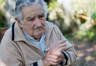 José Mujica pidió disculpas a la señora de Esteban Valenti y dijo que nunca pretendió inmiscuirse en la vida de pareja
