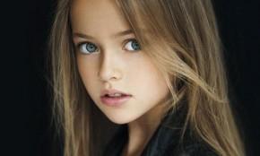 """""""La niña más guapa del mundo"""" firma su primer contrato como modelo profesional"""