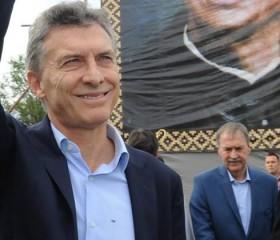 """Primer paro nacional con movilizaciones contra gobierno de Macri por salarios y """"límite a los despidos"""""""
