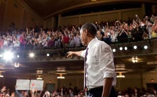 """Obama visita por primera vez una mezquita en EE.UU.: """"Ninguno debe elegir entre ser musulmán o americano"""""""