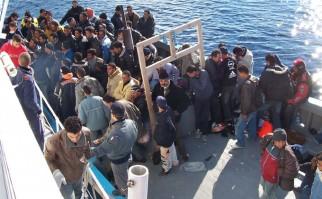 Desde las costas turcas, varias ONG´s que apoyan a los refugiados mayormente sirios y afganos, reportaban que el tráfico humano podría acelerarse de modo incontenible en las próximas horas tras el anuncio de la OTAN. Foto: Wikimedia Commons.