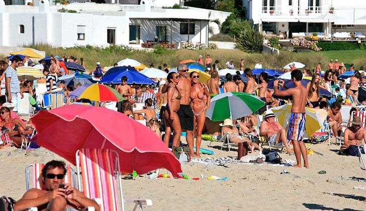 En los primeros 10 días de enero ingresaron al país casi 99 mil turistas argentinos