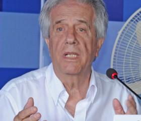 Tabaré Vázquez recibió a ex presidentes para comenzar a elaborar una política de Estado sobre hidrocarburos