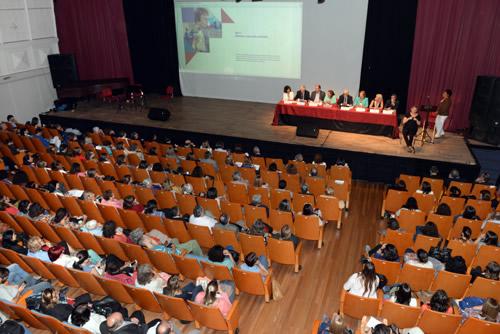 El Auditorio Nelly Goitiño se colmó de autoridades y público en general
