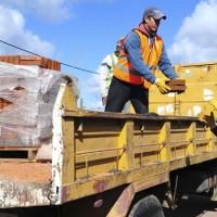 Llegaron a Dolores las 5.000 chapas adquiridas por Presidencia para atender los destrozos del tornado