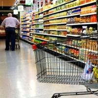Propietarios de supermercados rechazan el control de precios que realizará el PIT-CNT con concentraciones en los comercios