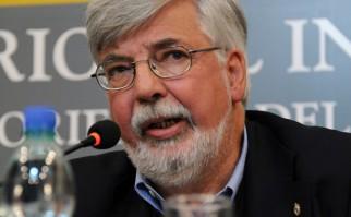Ministro Eduardo Bonomi asegura que debe mantenerse el decreto de desalojo de edificios públicos ante ocupaciones