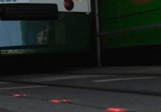 Instalan semáforos en el piso para los peatones adictos al celular