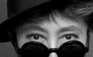 Yoko Ono convoca a las mujeres latinoamericanas a contar casos de maltrato.