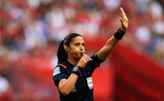 Claudia Umpiérrez fue designada para dirigir en el fútbol femenino de Río 2016. Foto: EFE