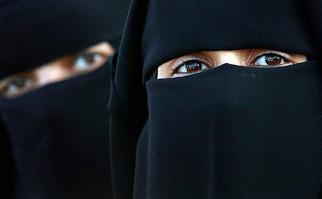 Consejo Islámico de Pakistán pretende que los esposos puedan golpear a sus mujeres por ley para disciplinarlas. Foto: AFP