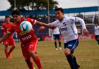 Rentistas venció por 2 a 0 a Nacional y se ilusiona con permanecer en Primera
