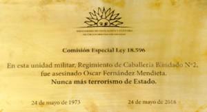 En cuartel de Durazno colocan placa recordatoria de Óscar Fernández Mendieta muerto por torturas