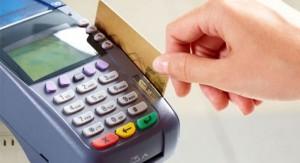 La reducción de dos puntos del IVA representará 50 millones de dólares a favor de todos los contribuyentes, asegura Danilo Astori