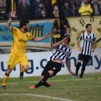 Wanderers goleó a Peñarol 4 a 1, con tantos de Gastón Rodríguez y Diego Riolfo y sueña con la Copa Sudamericana