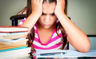 Los padres demasiado exigentes pueden afectar la salud de sus hijos . Foto: Shutterstock