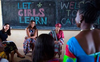 Michelle Obama y sus hijas realizan gira por África para promover la educación de las niñas. Foto: @michelleobama