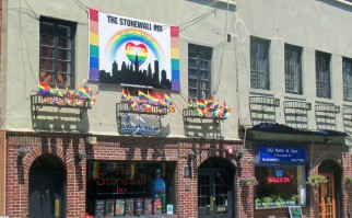 El famoso bar Stonewall, en la Greenwich Village. Foto: Wikimedia Commons.