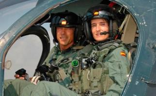 La primera mujer piloto de la Armada española fue obligada a dejar su profesión por ser lesbiana.